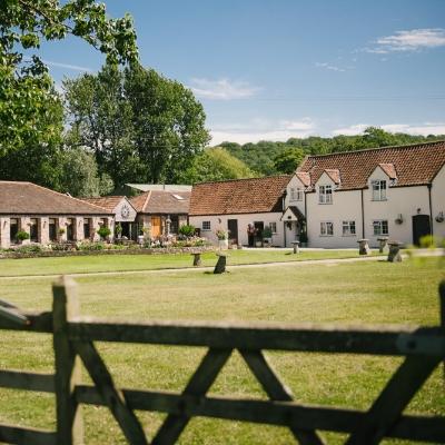 We love Bristol wedding venue Aldwick Estate