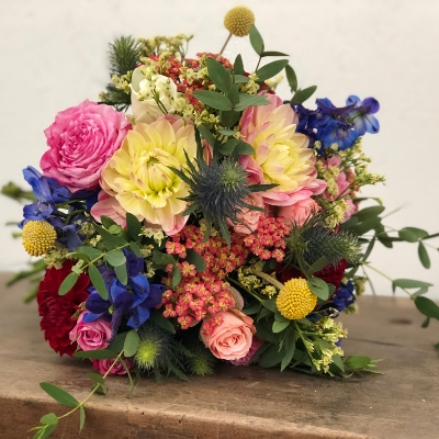 We asked Bristol wedding florist Natalie Lauraine Floral Design about how to create a springtime feel with your wedding flowers