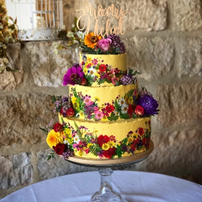 We chat all things cake with cake designer Pennie McKenzie of The Boho Bakery