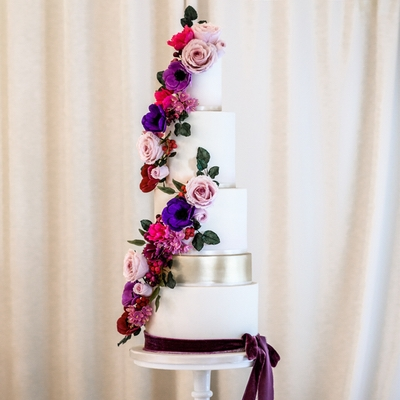 We talk to Leah Coetzee of Somerset cake designer Pretty Cake Creations about injecting colour into your wedding cake