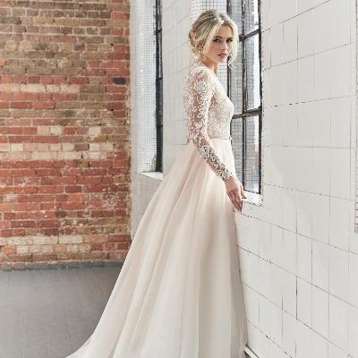 Taunton bridal designer Sassi Holford gives back to NHS staff