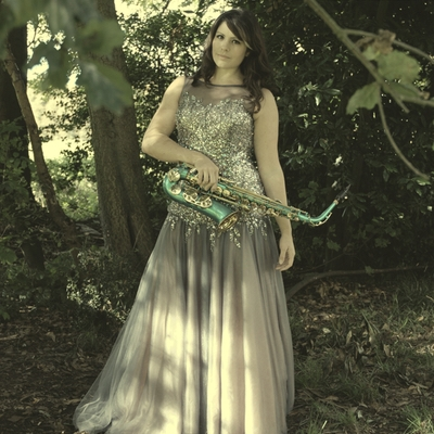Award win for Somerset's Lucy Harvey Vocalist and Saxophonist