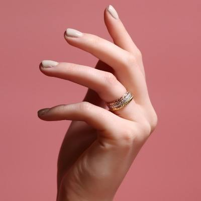 #trending: patterned wedding bands! Check out this new jewellery range
