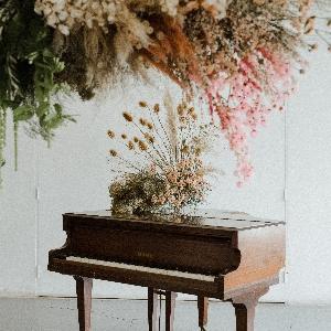 Nice Bunch Floral Studio
